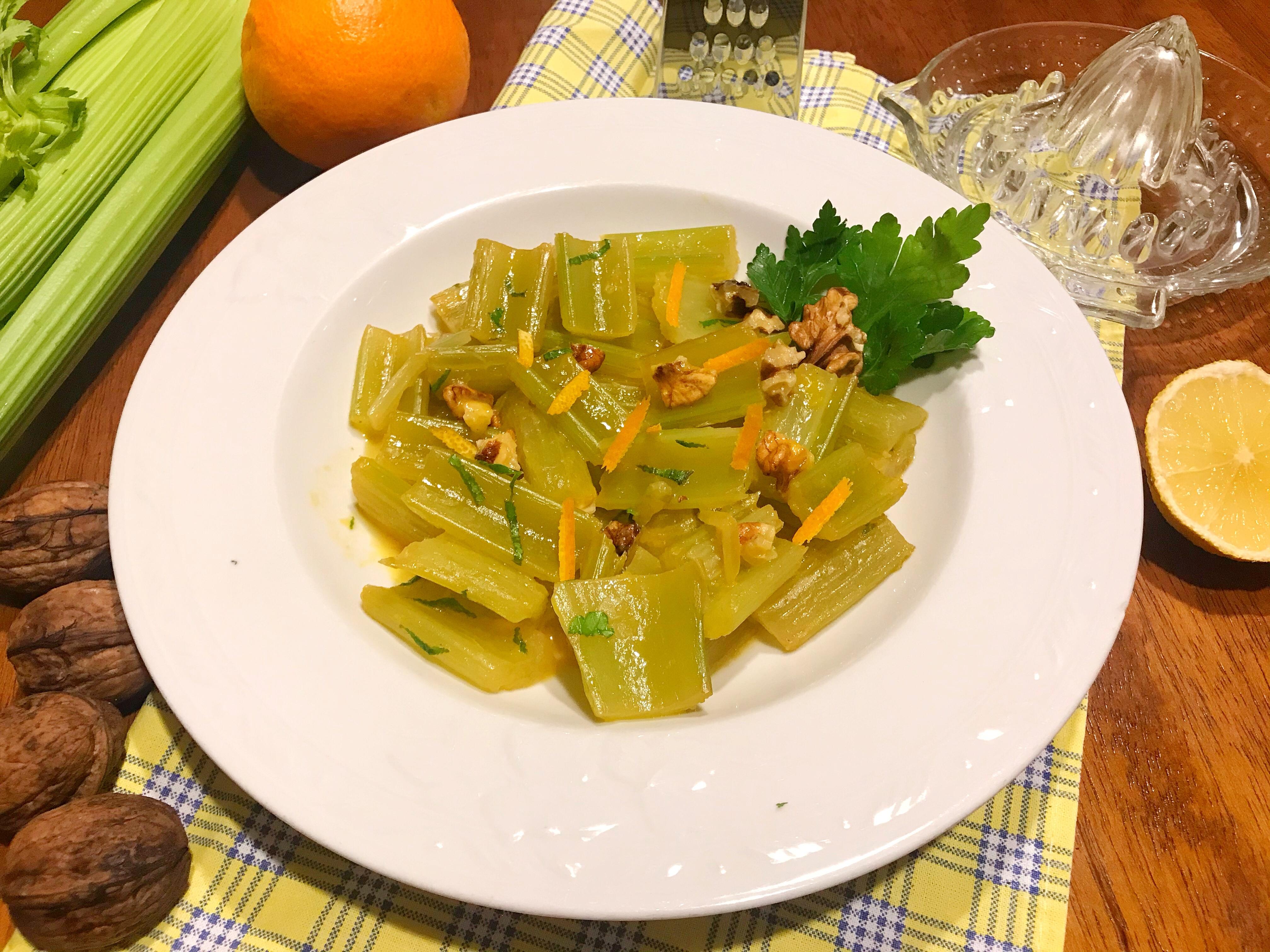 Sedano agli agrumi, ricetta light