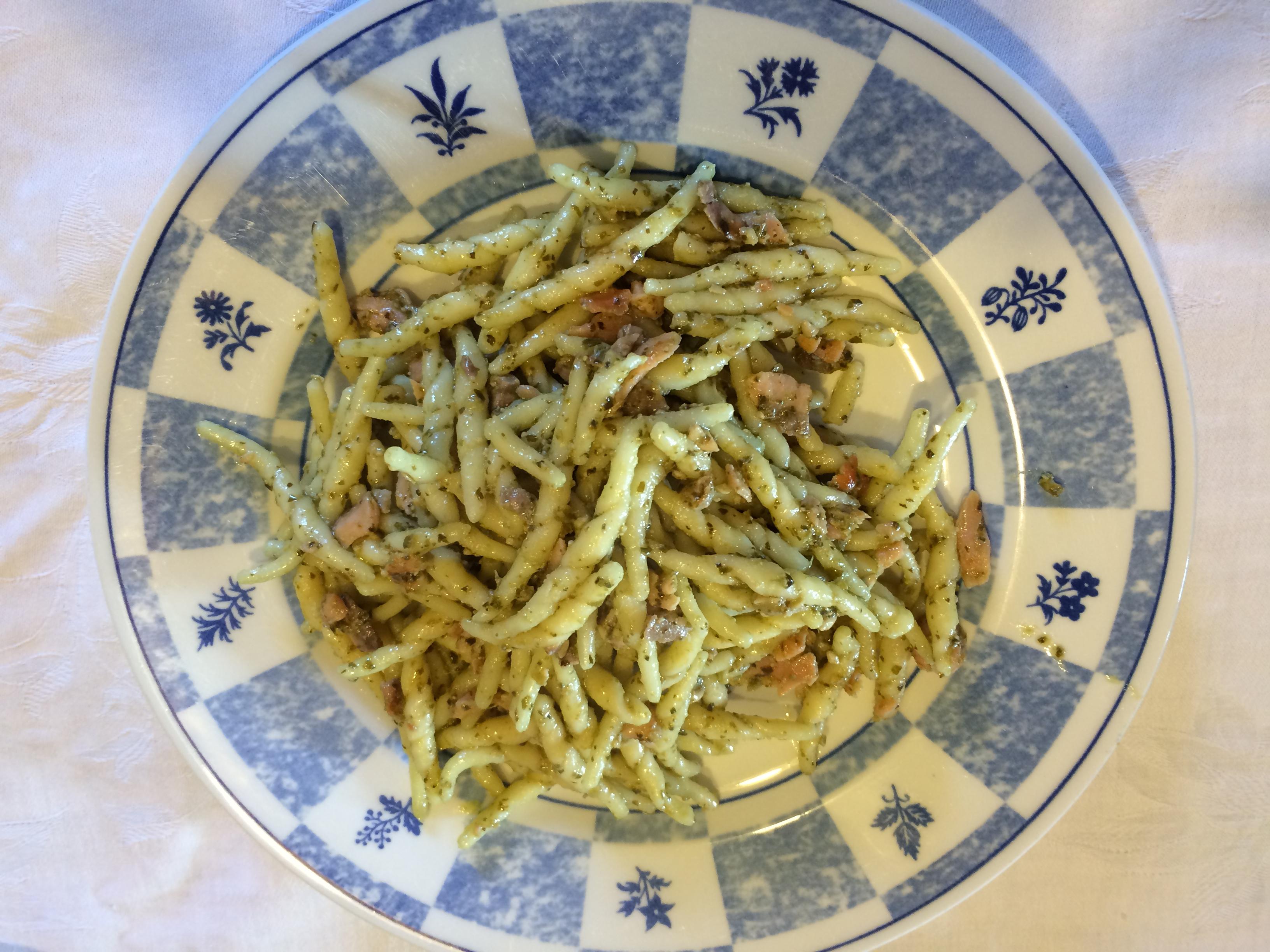 Trofie Salmone e Pesto