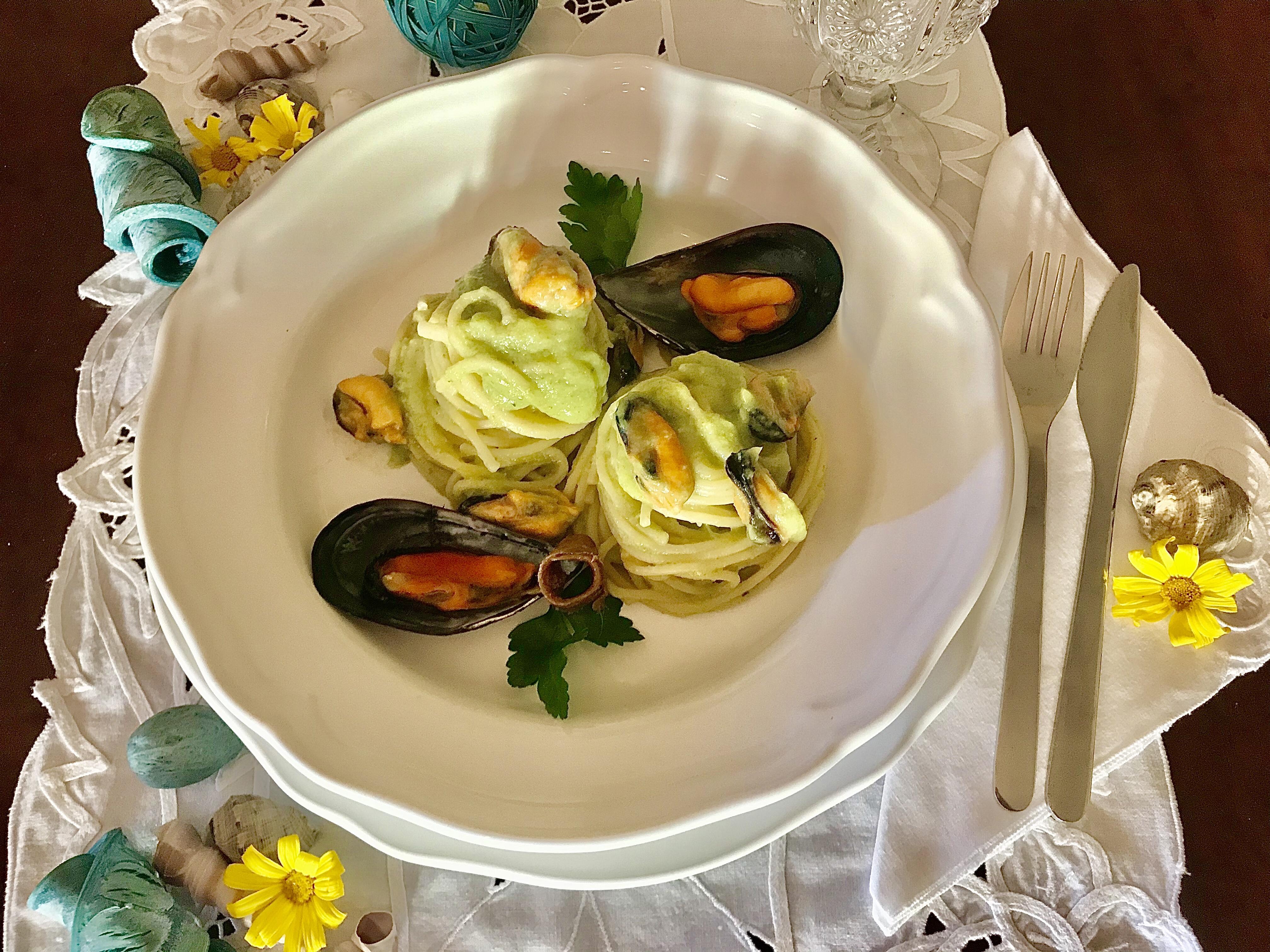 Spaghetti cozze e crema di broccolo